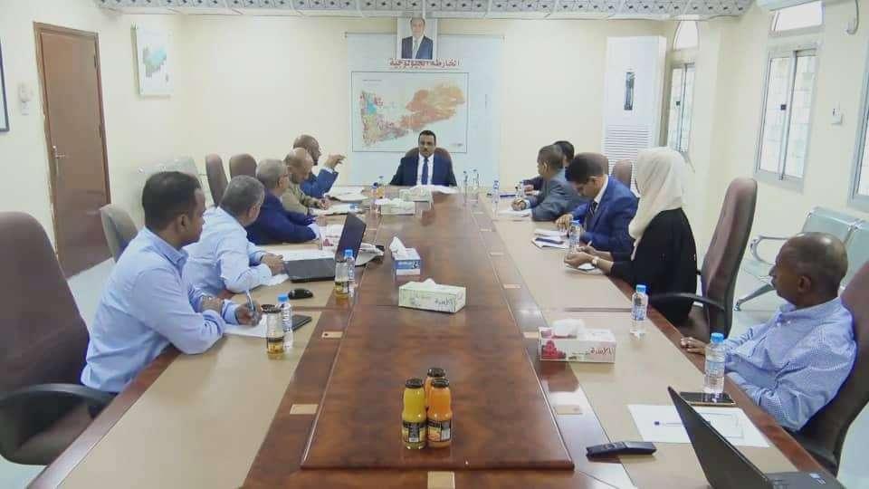 وزير النفط يوجه بتشكيل لجنة مشتركة لتطوير الصناعة النفطية