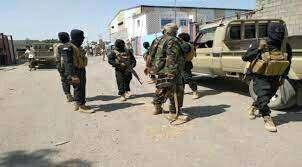 """عدن.. قوات تابعة للمجلس الانتقالي تعزز انتشارها وتستحدث نقاط تفتيش في """"كريتر"""" و""""خور مكسر"""""""