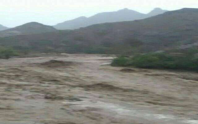 سيول الأمطار تخطف أرواح 7فتيات من أسرة واحدة بمحافظة ابين
