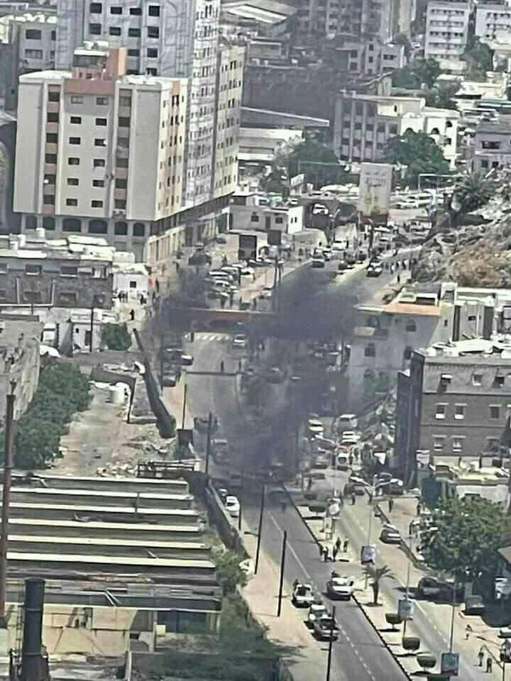 محافظ عدن ينجو من محاولة اغتيال واستشهاد سكرتيره الصحفي