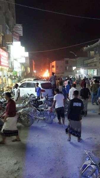 مقتل ضابط ومرافقيه في الانفجار الذي استهدف سيارته في مدينة سيئون بحضرموت