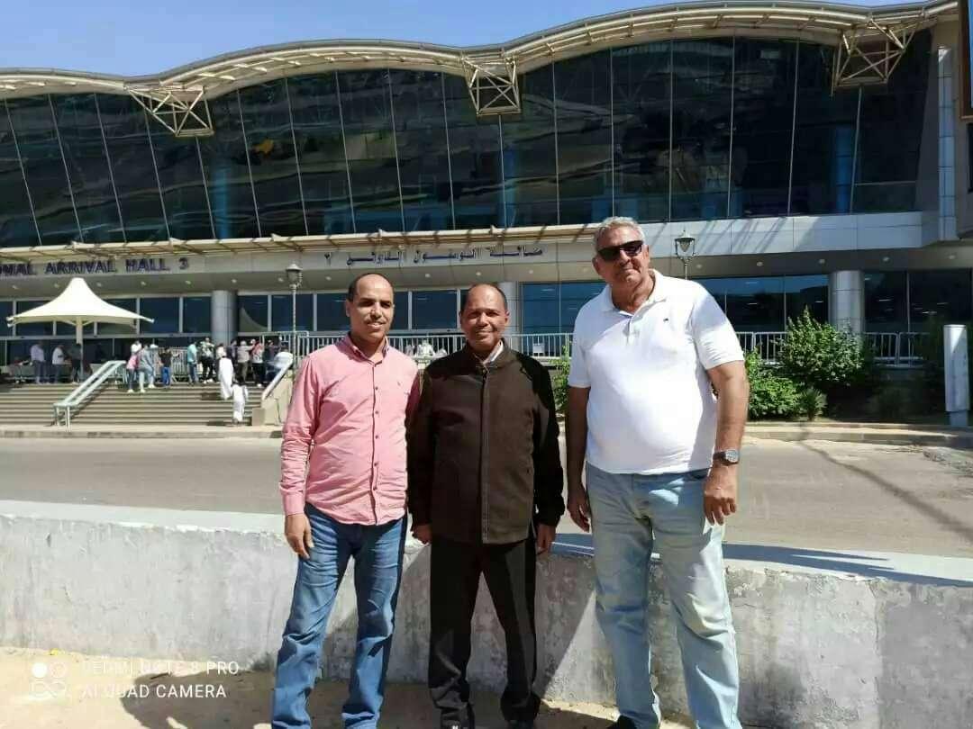 رئيس الحراك الثوري يصل العاصمة المصرية القاهرة في زيارة تستغرق أياما