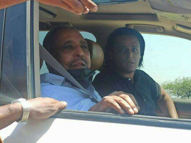 قوة أمنية تحتجز الزعيم حسن باعوم على مشارف مدينة المكلا بحضرموت